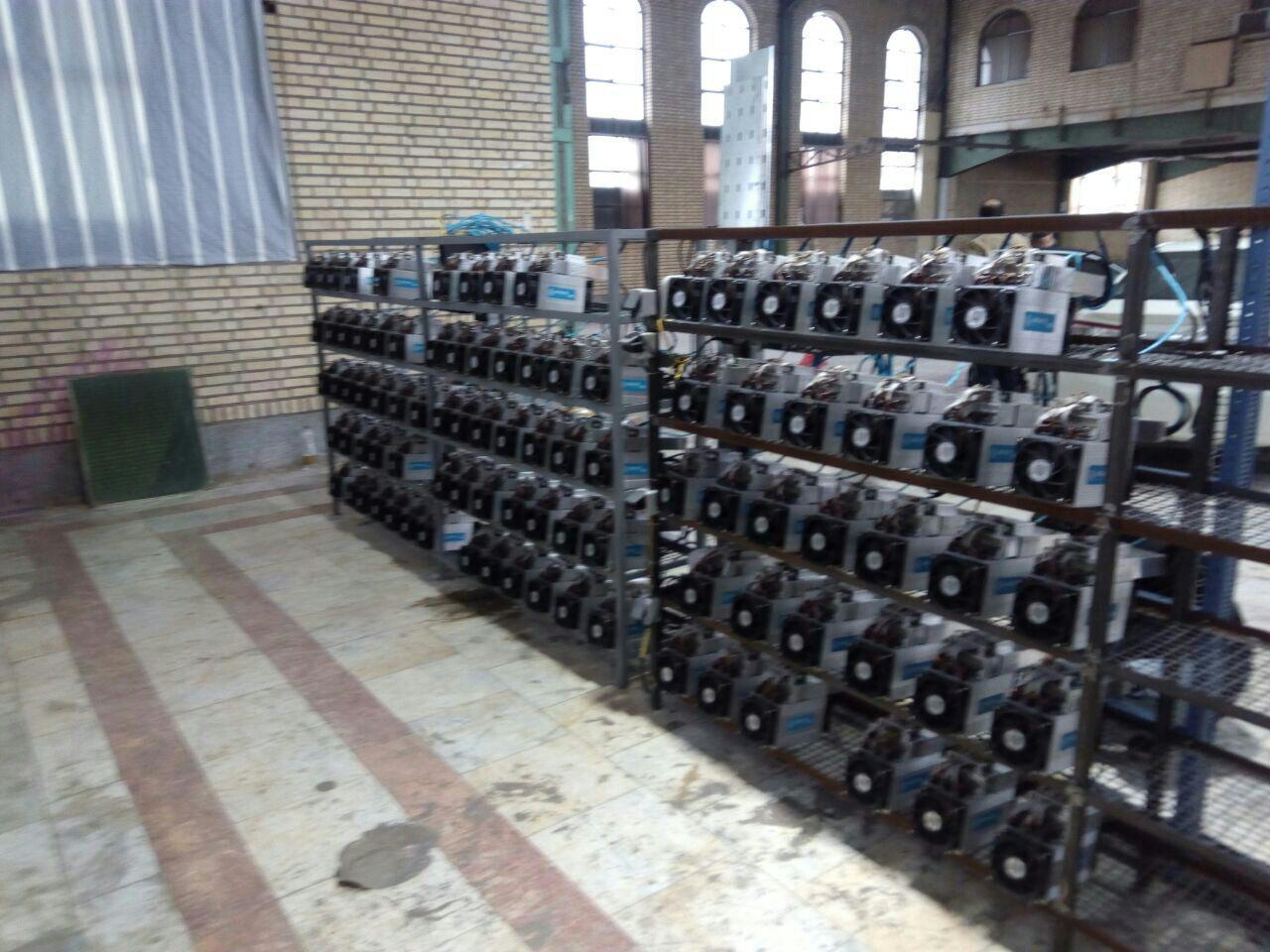 Dispositivi per il mining nelle moschee iraniane